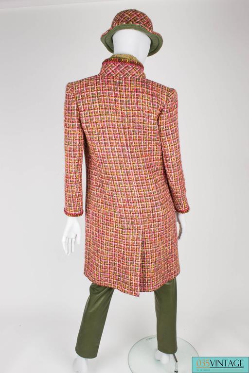 Chanel 4-pcs Suit Coat, Hat, Pants & Top - pink/green bouclé 2001 For Sale 2