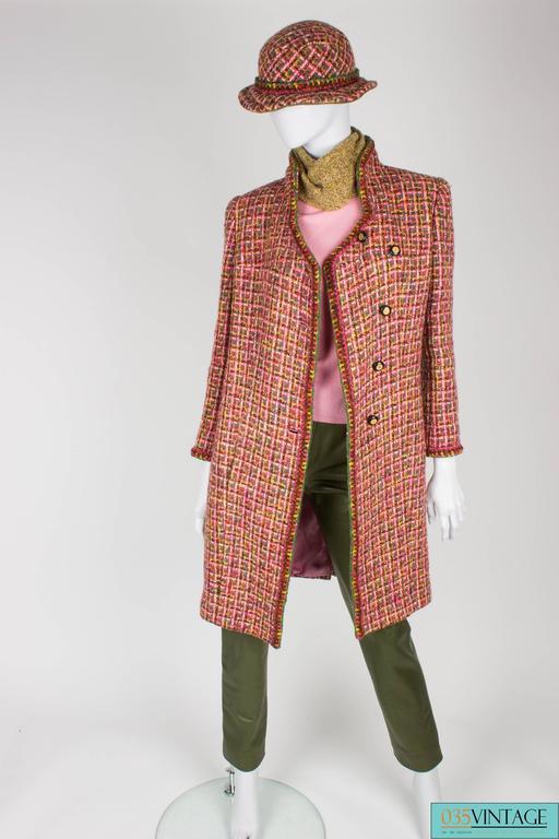 Chanel 4-pcs Suit Coat, Hat, Pants & Top - pink/green bouclé 2001 For Sale 3