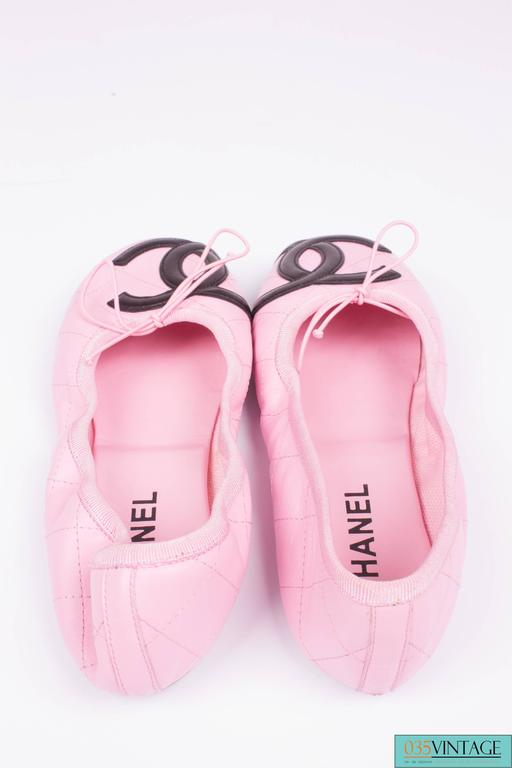Chanel Ballerina Flats Cambon - pink/black  In New never worn Condition For Sale In Baarn, NL
