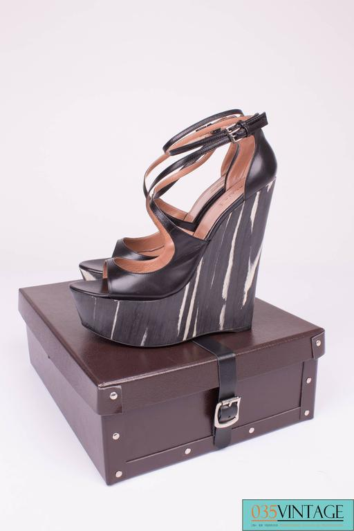 ALAIA Platform Shoes Wedges - black & white  In New Never_worn Condition For Sale In Baarn, NL