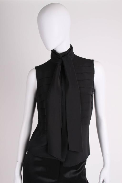 Chanel Silk Sleeveless Blouse - black  In New never worn Condition For Sale In Baarn, NL