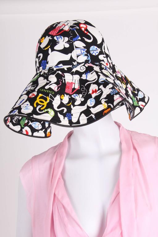 Women s or Men s Chanel Black   White Oversized Cotton Sun Hat - multi  color For Sale 7fb572dd7