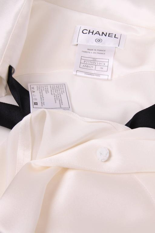 Chanel Silk Sleeveless Blouse - ivory white  For Sale 1