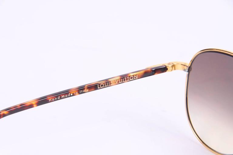 Louis Vuitton Conspiration Pilote Sunglasses - gold/brown For Sale 1