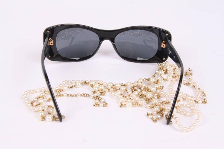 46054779ab Chanel Sunglasses with Pearl Necklace - black For Sale at 1stdibs