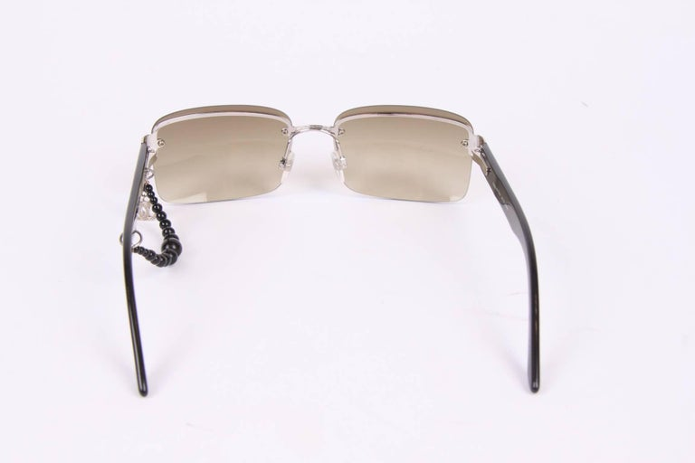 Black Chanel Sunglasses CC Charm - black For Sale