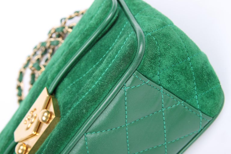Chanel Scallop Quilted Small Pagoda Flap Bag - green suede For Sale 1