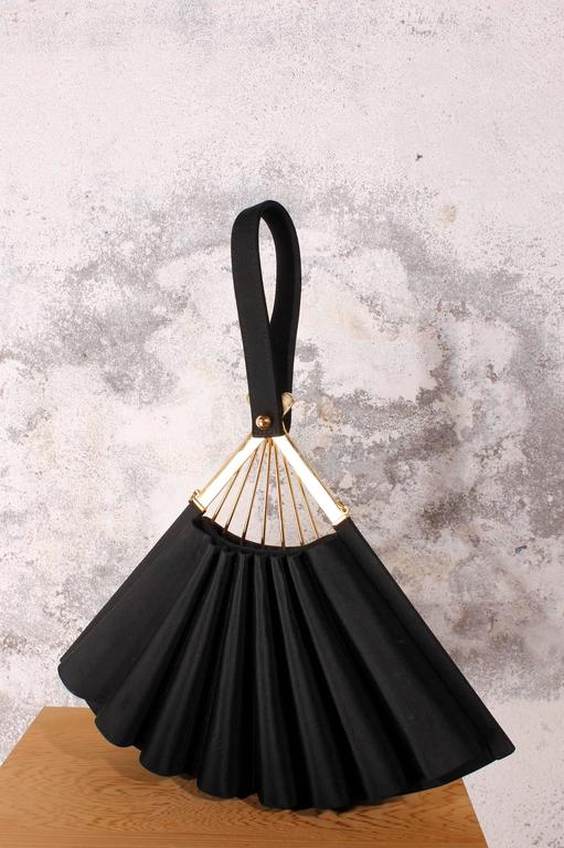 Karl Lagerfeld - Satin Fan Clutch Purse in black 6