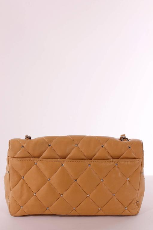 Women's 2006 Chanel 2.55 Medium Classic Single Flap Bag - camel/silver For Sale