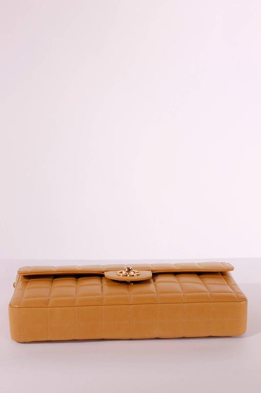 2003 Chanel E/W East West Baguette Flap Clutch Bag - camel/gold In New Never_worn Condition For Sale In Baarn, NL