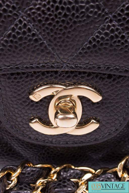 Chanel 2.55 Caviar Medium Classic Double Flap Bag - black/gold In New Never_worn Condition For Sale In Baarn, NL