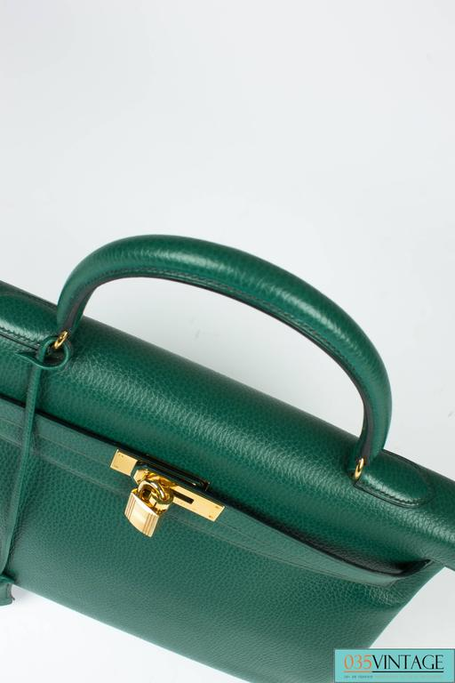 53b9895d44 Hermès Kelly Bag 35 Clemence Leather - Emerald Green at 1stdibs