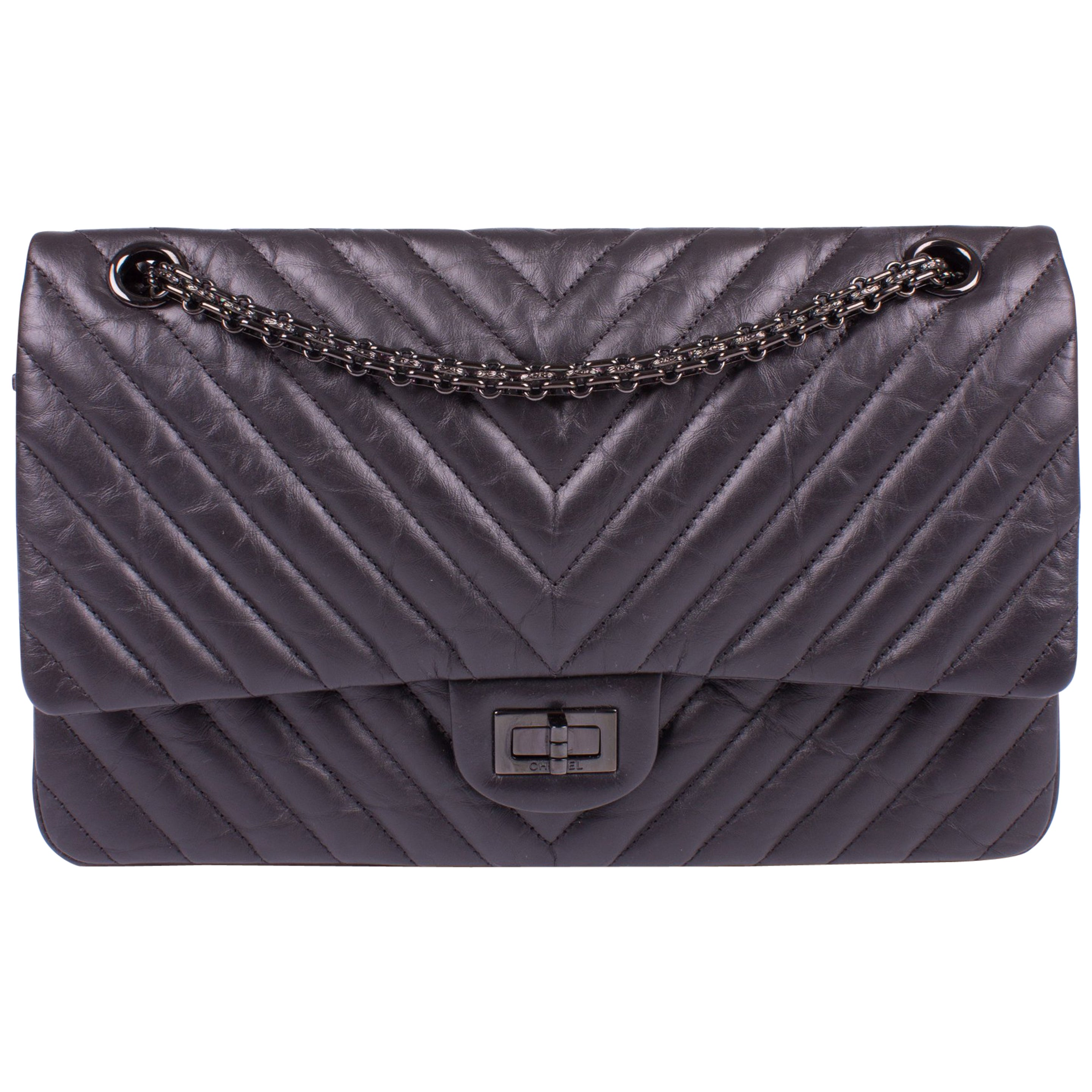 cfb003ba22604d Chanel 2.55 Reissue Chevron 224 Flap Bag - So Black at 1stdibs