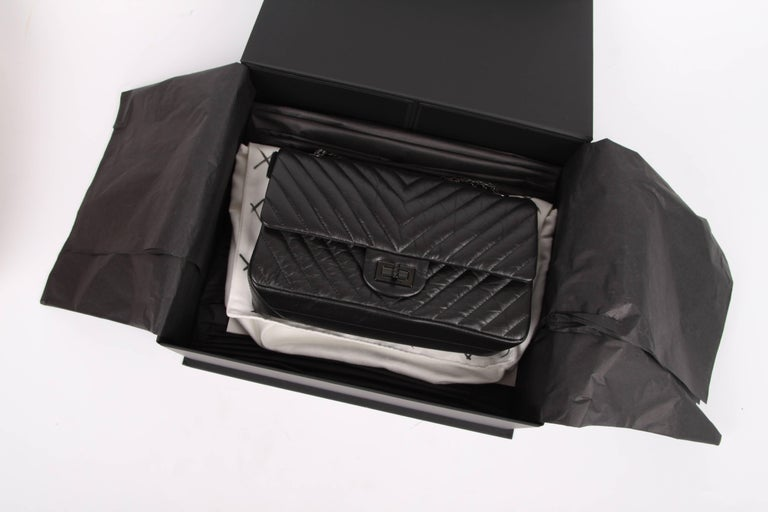 a8cf7b2d079eae Chanel 2.55 Reissue Chevron 224 Flap Bag - So Black In New Condition For  Sale In