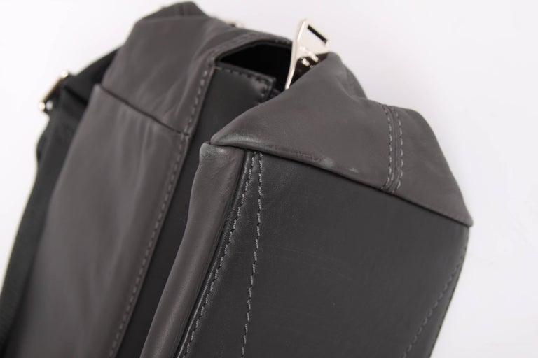 Louis Vuitton V-line Move Leather Tote Shoulder Bag - Asphalt Gray hdGVf