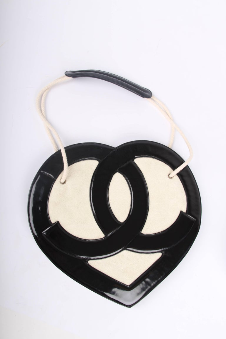 8ad31ee4a0302d Chanel Heart Shape Bag Patent Leather Terry Cloth 2009 - black & white For  Sale. This bag is from the Chanel Cruise Collection of 2009, a true runway  piece;
