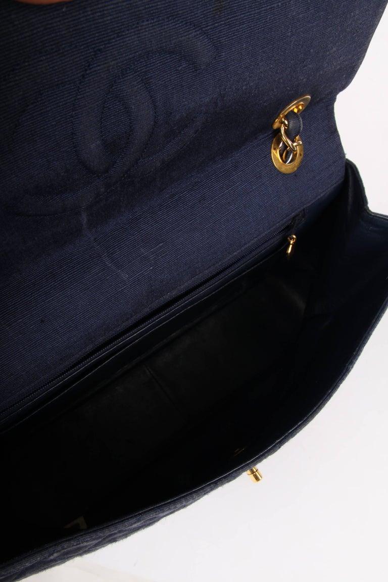 Black Chanel 2.55 Timeless Maxi Denim Single Flap Bag - blue 1991 For Sale