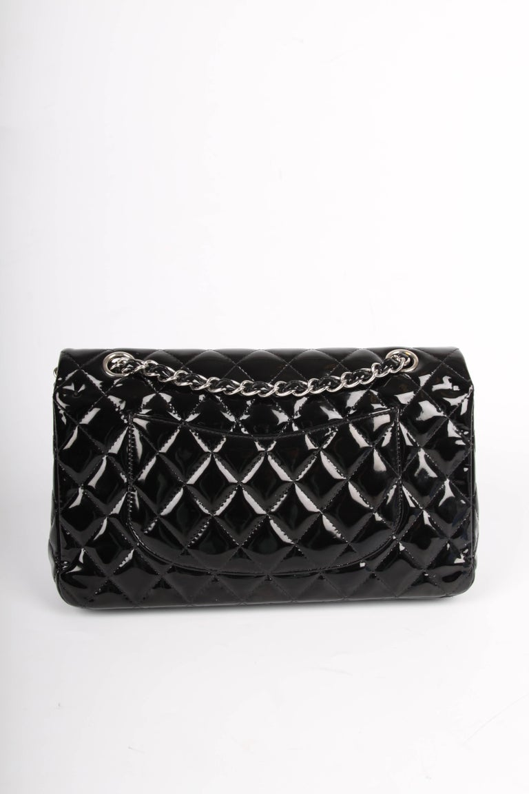 Chanel 2.55 Timeless Medium Double Flap Bag Patent Leather - black In Good Condition For Sale In Baarn, NL