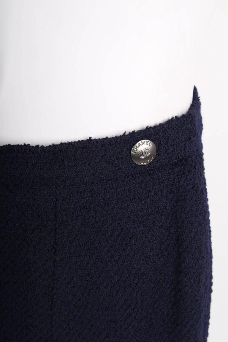 Chanel Vintage 2 Piece dark blue Boucle Suit, 1997 For Sale 3