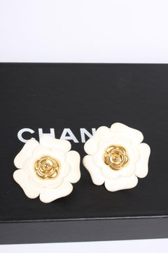 Chanel XXL Camellia Clip Earrings - white/gold   Chanel XXL Camellia Clip Earr