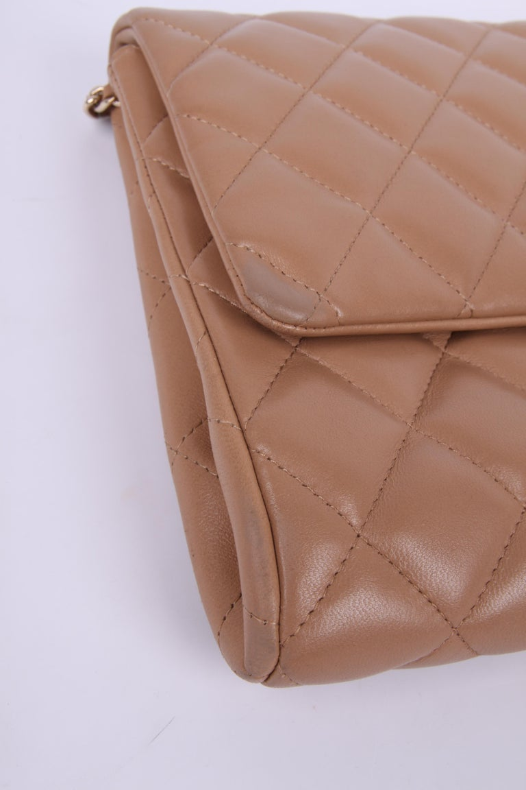 Chanel Quilted Clutch with Chain - beige For Sale 2