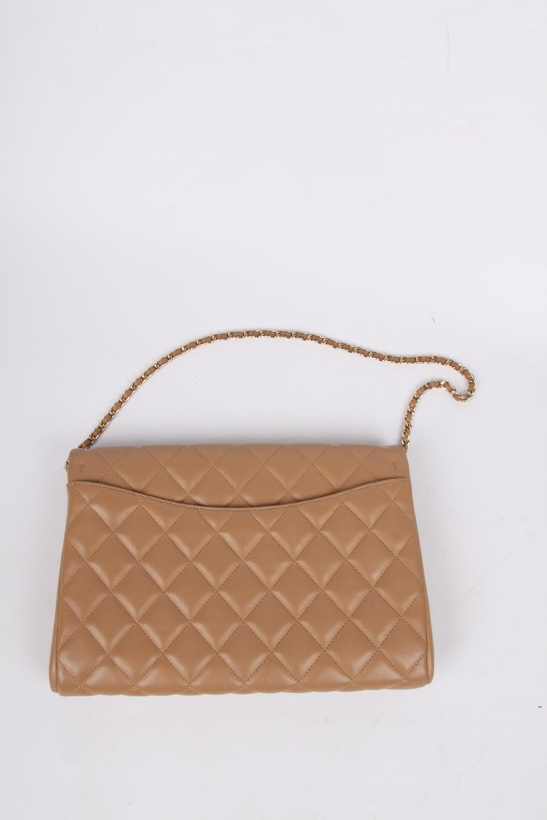 Chanel Quilted Clutch with Chain - beige For Sale 4