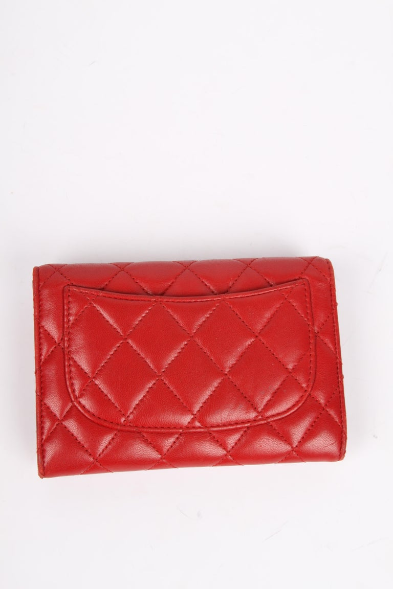 Chanel Quilted Wallet - red leather In Good Condition For Sale In Baarn, NL