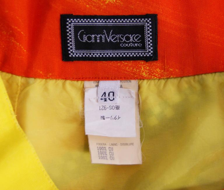 1991 Gianni Versace VOGUE Print Mini Skirt 40 In Excellent Condition For Sale In Yukon, OK