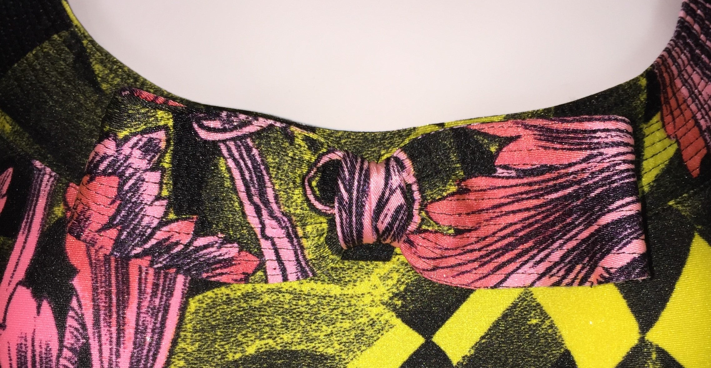 1991 Atelier Versace by Gianni Pink Black Yellow Print Bow Bodysuit Top For  Sale at 1stdibs 87fe0623b