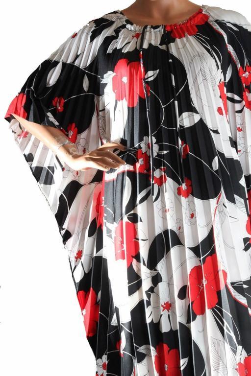 Hilo Hattie Kaftan Caftan Dress Red Hibiscus Print Evelyn Margolis Hawaii 70s 7