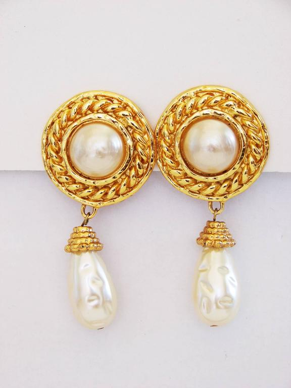 Edouard Rambaud Large Clip Style Baroque Pearl Dangle Earrings, 1970s In Excellent Condition For Sale In Port Saint Lucie, FL