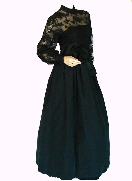 Women's Ronald Amey Evening Gown Black Lace and Silk Taffeta Sz M 1970s  For Sale