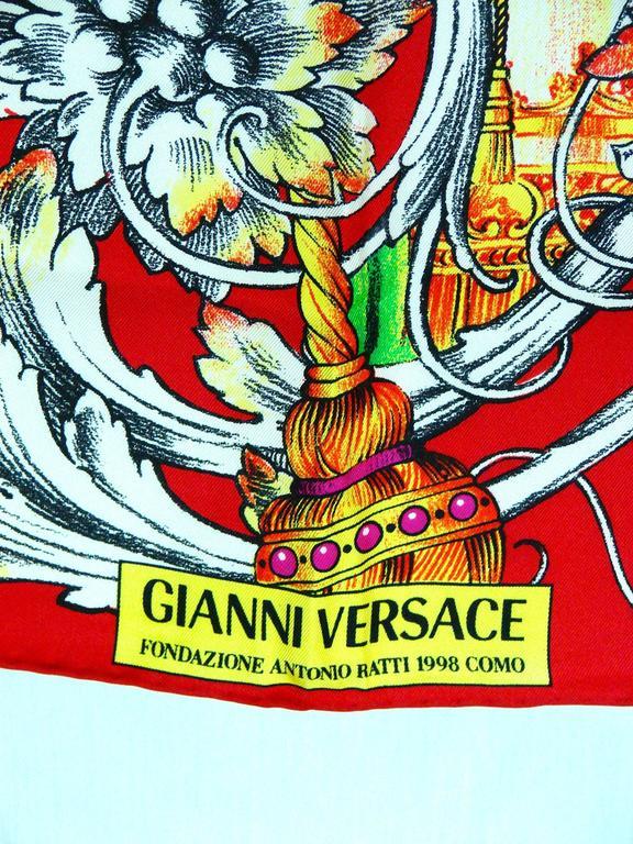 Versace Silk Scarf 35in Pop Art Fondazione Antonio Ratti Marilyn Monroe Rare For Sale 3