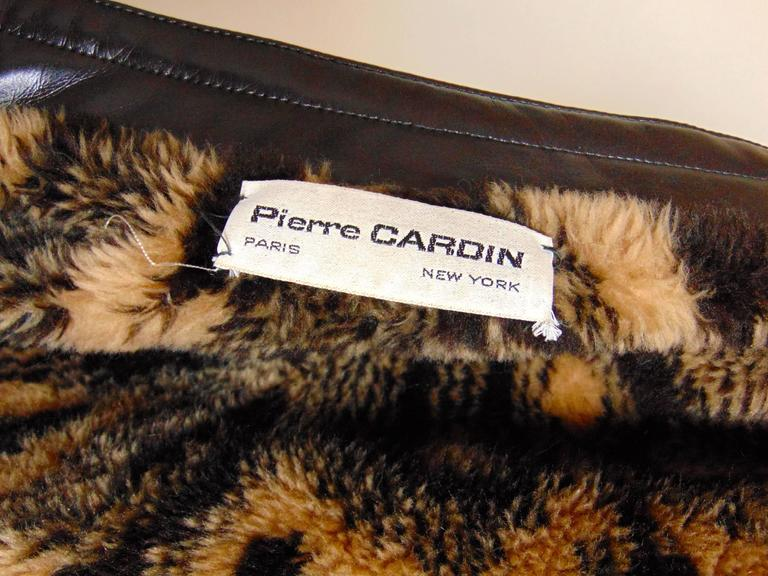 Unique Pierre Cardin Space Age Vinyl Cape Espresso Brown Faux Fur Lining 60s M 8