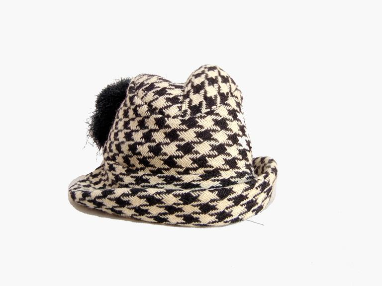 Beige Adolfo Houndstooth Wool Fedora Hat + Fringed Scarf Ensemble 2-Piece Set 1980s