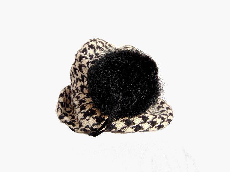 Women's Adolfo Houndstooth Wool Fedora Hat + Fringed Scarf Ensemble 2-Piece Set 1980s