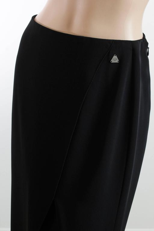 Chanel Black Crepe Maxi Skirt 00C Resort Collection Size 40 New with Tags  For Sale 2