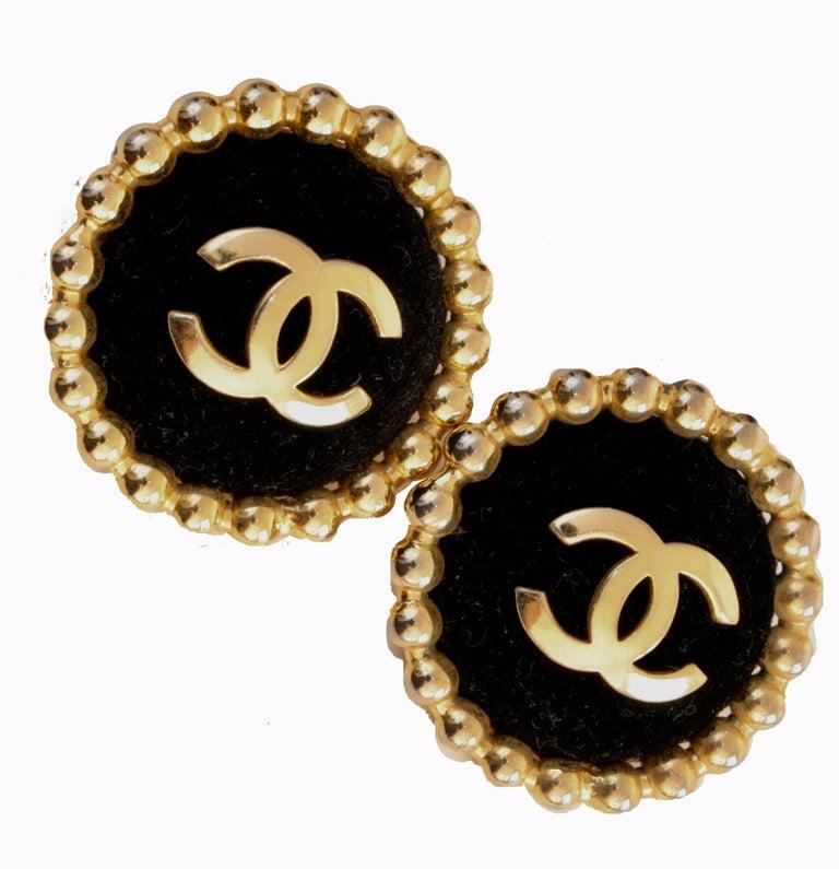 Chanel Large Black Velvet and Gold Metal CC Logo Earrings 1986 Season 2 3  3