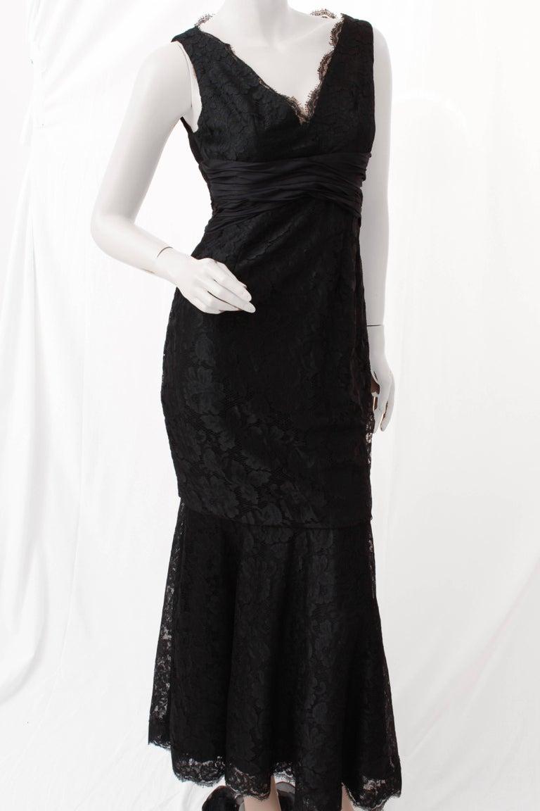 Pamella Roland Evening Gown Black Lace Silk Panels Mermaid Hem Sz 6 In Excellent Condition For Sale In Port Saint Lucie, FL