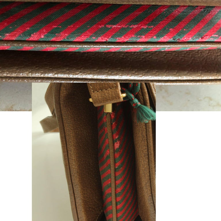 Gucci Pigskin Leather Messenger Red and Green Stripe Accents Cross Body Bag 80s For Sale 9