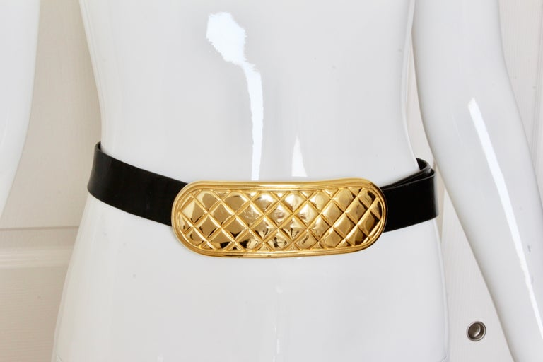 Accessocraft NYC Huge Gold Matelasse Buckle & Black Leather Belt Strap 80s Rare In Good Condition For Sale In Port Saint Lucie, FL