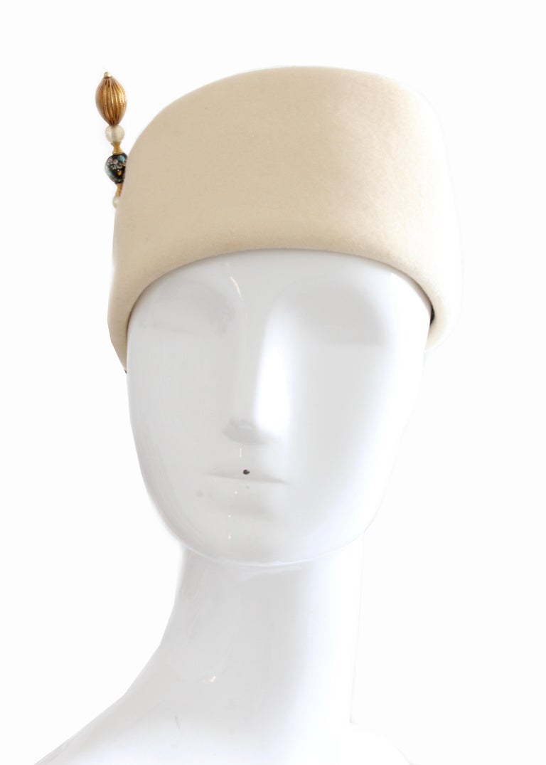 Halston Vintage Wool Pillbox Hat with Beaded Stick Pin, 1960s For Sale 1