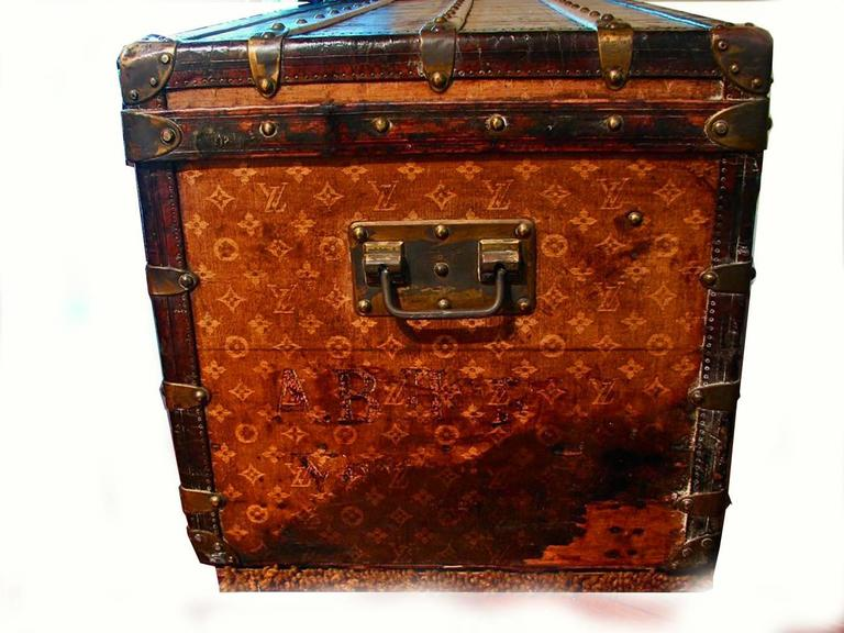 Louis Vuitton Monogram Haute Courier Large Steamer Trunk on Wheels 1900s  In Good Condition For Sale In Port Saint Lucie, FL