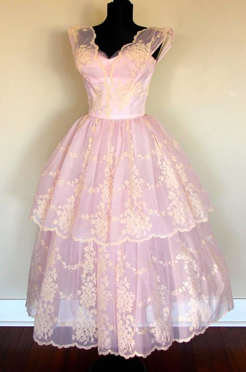c1950s Baby Pink Taffeta + Tulle Party Dress with Tiered Skirt Size S In Good Condition For Sale In Port Saint Lucie, FL