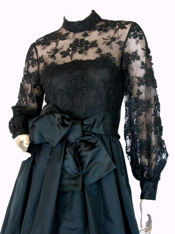 Ronald Amey Evening Gown Black Lace and Silk Taffeta Sz M 1970s  In Excellent Condition For Sale In Port Saint Lucie, FL