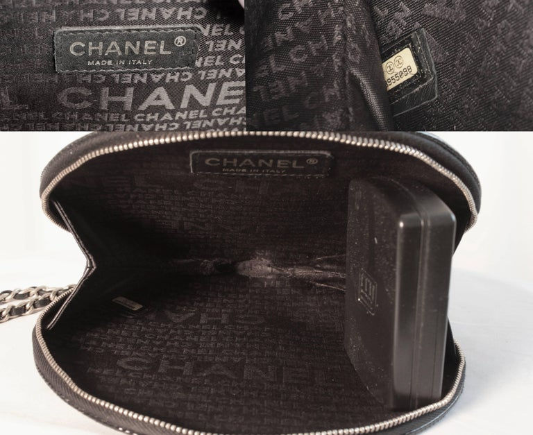 Chanel 2004 Runway Record Bag Clutch Red & Black Patent Leather Limited Edition 10