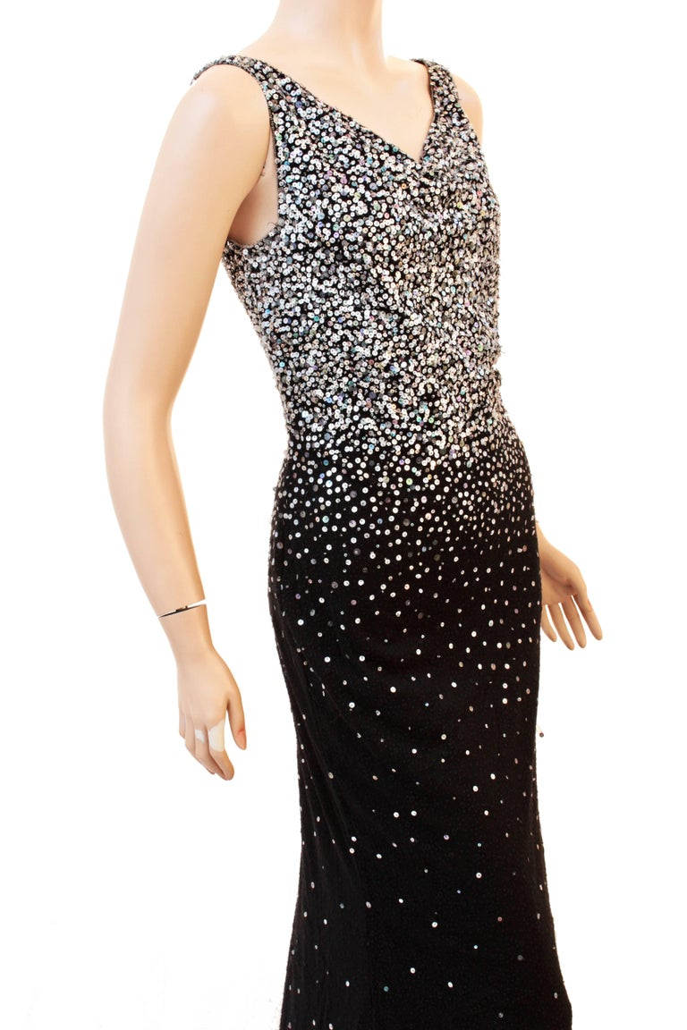 Naeem Khan Black Silk Evening Gown with Sequins Full Length Formal Dress US 6 In Excellent Condition For Sale In Port Saint Lucie, FL