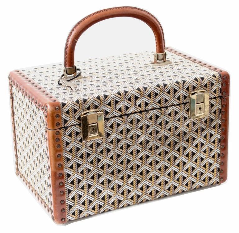 Beige Goyard Paris Vanity Train Case Mini Trunk Beauty Bag Carry On Vintage 1960s  For Sale