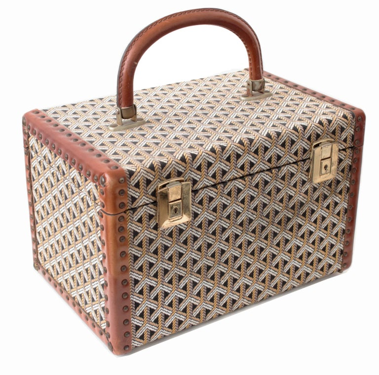 Women's or Men's Goyard Paris Vintage Vanity Train Case Mini Trunk Beauty Bag Carry On, 1960s  For Sale