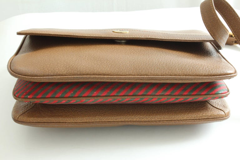 Gucci Pigskin Leather Messenger Red and Green Stripe Accents Cross Body Bag 80s For Sale 5